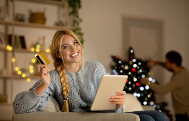 3 reasons why every consumer brand needs a chatbot this holiday season